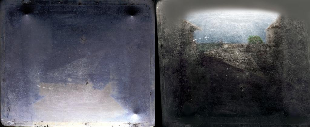 කැමරා ඔබ්ස්කියුරාවකින් නිර්මාණය කරන ලද, සැබෑ ලෝක දර්ශනයක දැනට ඉතිරිව ඇති පැරණිතම ඡායාරූපය වන ලේ ග්රාස් (1826 හෝ 1827)හි නියප්සේගේ දර්ශනය View from the Window at Le Gras, මුල් තහඩුව (වමේ) සහ වර්ණ ගැන්වූ ප්රතිනිර්මාණය වැඩි දියුණු කිරීම (දකුණේ).